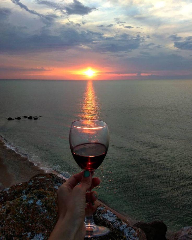 Картинки берег моря бокал вина девушка