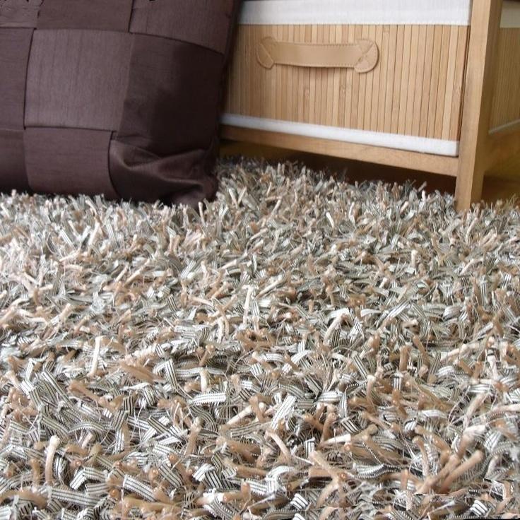 Una alfombra Shaggy poco convencional y muy atrevida para tu salón o dormitorio