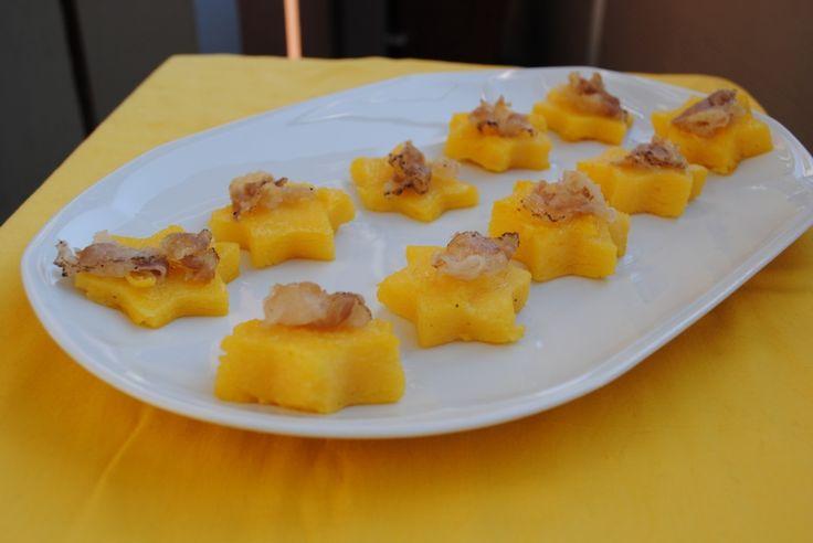 Dicembre - #Vogliadi #Natale - Stelline di polenta con lardo di colonnata   Deliziandovi blog