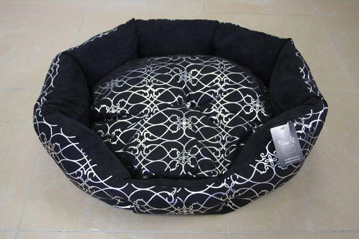 Silver Bloom Black Dog Bed - Medium