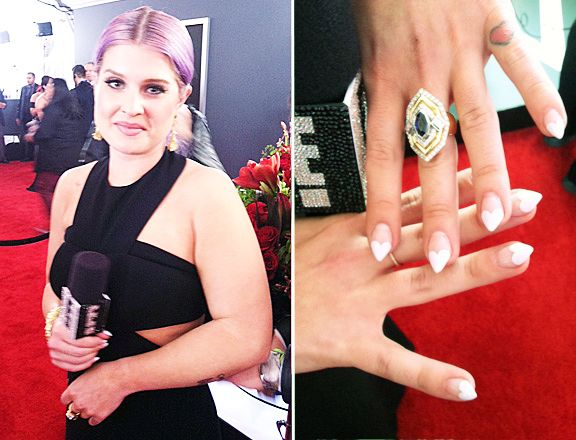 Kelly Osbourne Gets In Valentine S Day Spirit With Heart Nail Art At 2017 Grammys