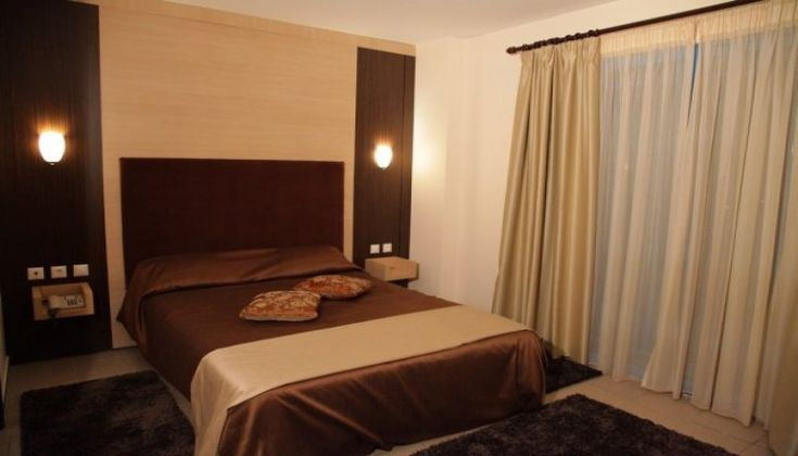 Χριστούγεννα ΚΑΙ Πρωτοχρονιά στις Σέρρες, στο Hotel Alexander μόνο με 99€!