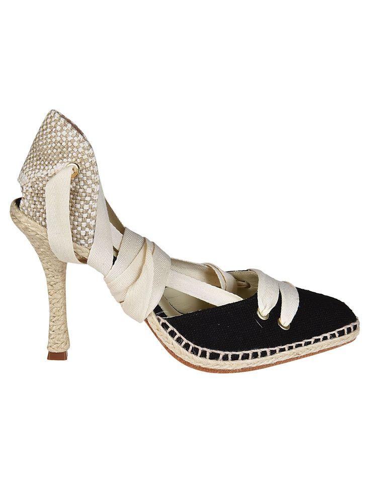 CASTAÑER BY MANOLO BLAHNIK CASTAÑER BLAHNIK PUMPS. #castañerbymanoloblahnik  #shoes #