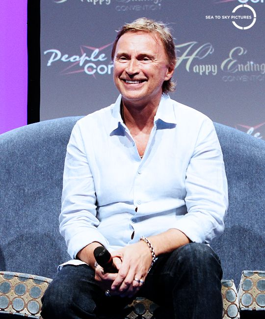 Robert Carlyle Source