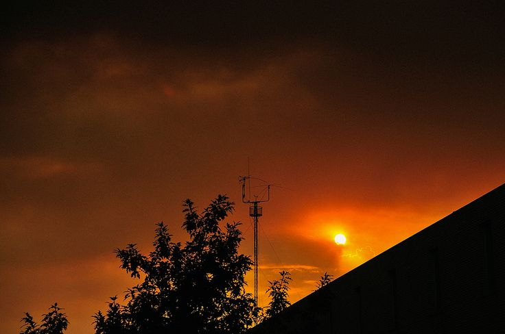 apocalyptic sky over Portugal (raging forest fires, high winds from Hurrican Ophelia, high temperatures)