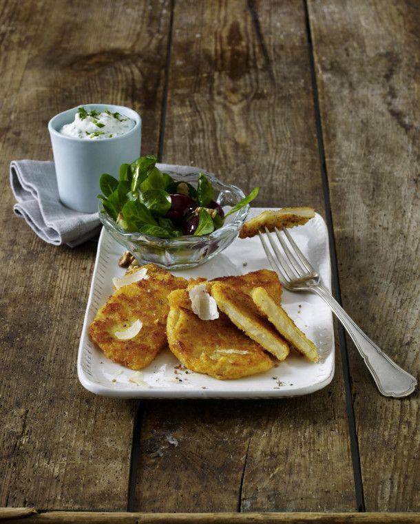 Unser beliebtes Rezept für Sellerieschnitzel mit Parmesan-Panade und mehr als 55.000 weitere kostenlose Rezepte auf LECKER.de.