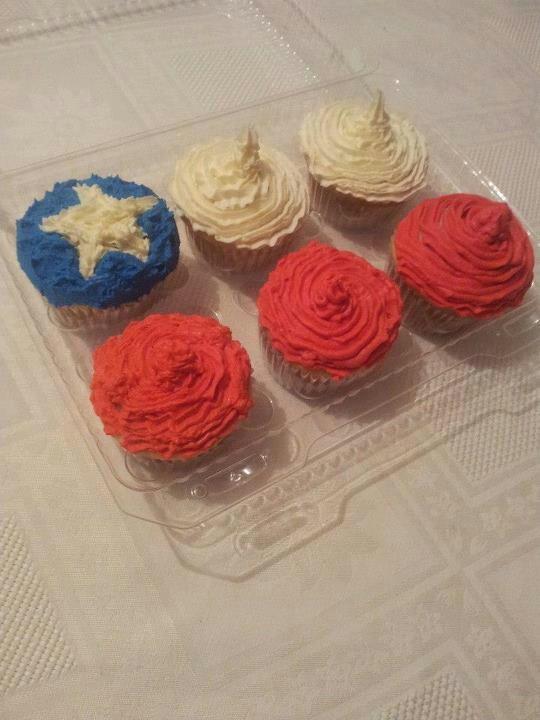 Cupcakes de fiestas patrias hechos por mi (gracias @Ale_chan por subir la foto acá)