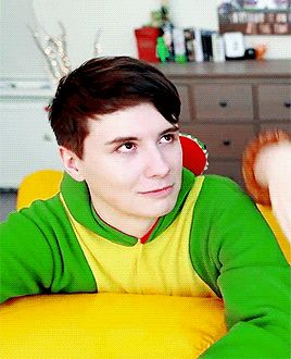 When people talk to me and I don't know what they're talking about<--Other people when I talk about Dan and Phil