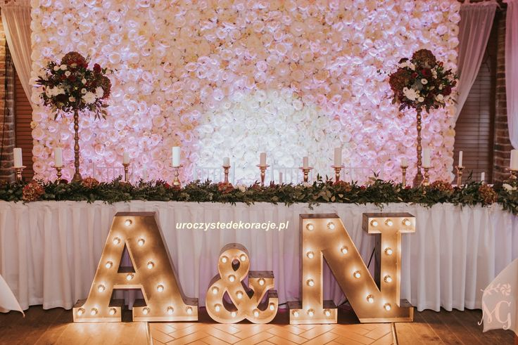 Ścianka kwiatowa, panele kwiatowe,dekoracja stołu Pary Młodej, dekoracje sal weselnych,dekoracje weselne. Wedding reception, wedding decoration