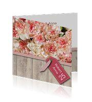 jubileum-uitnodiging-25-jaar-hout-koraal-creme-bloemen