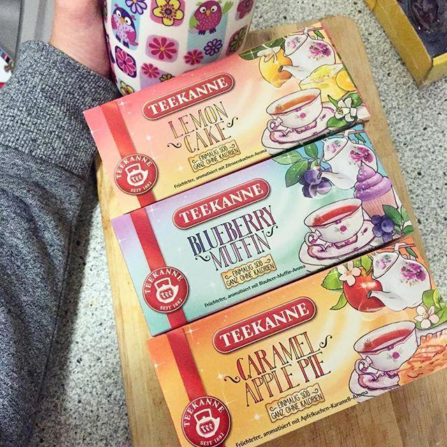Deshalb liebe ich den Herbst 😌🍁🎃🍂☕️ #tea #blueberrymuffin #lemoncake #caramelapplepie #teekanne #autumn #girls #cozy #cold #hotdrink #blogger #girls #germany #trier #rewe #follow