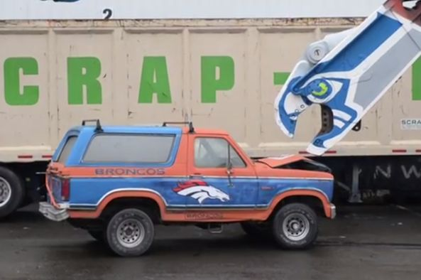 http://www.heysport.biz/ Seahawks Fans Crush a Denver Bronco-Inspired Ford Bronco [Video ...
