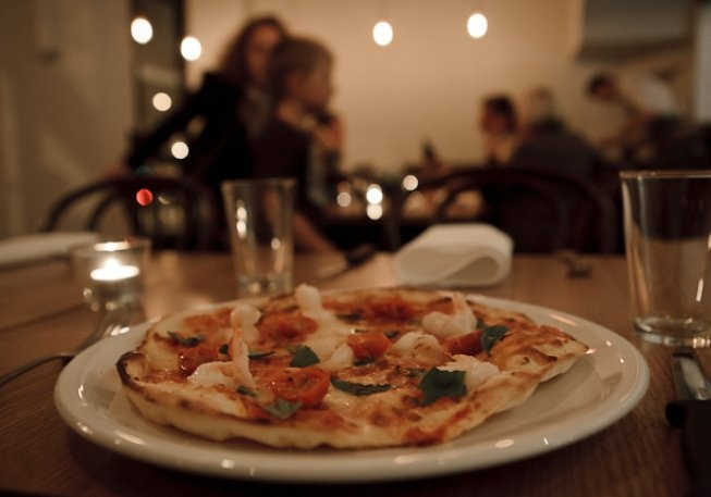 Banter - wine and pizza in queensberry street