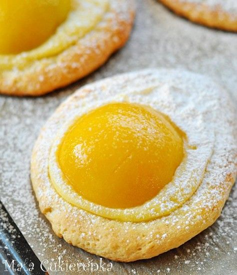Easter Peach & Pudding Cookies, (( this is a delicious looking Polish recipe, how about a pastry shell filled with egg custard, {4eggs, 1/2 pint milk, 1tbsp honey, 1tbsp ground rice, 1tbsp ground almonds} top with half peach or apricot from a tin, glaze with apricot jam, bake 10-15 mins}