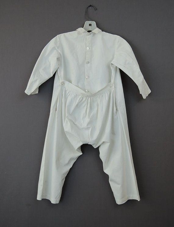 Vintage Junge viktorianische 1880er Jahre Union Suit, ein Stück Unterwäsche aus Baumwolle mit Drop-Sitz, mit Namen und Datum - Homie Murphy 1884