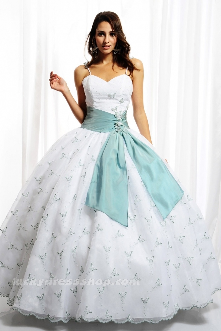 17 Best images about Winter Themed Ball Gowns on Pinterest | Blue ...