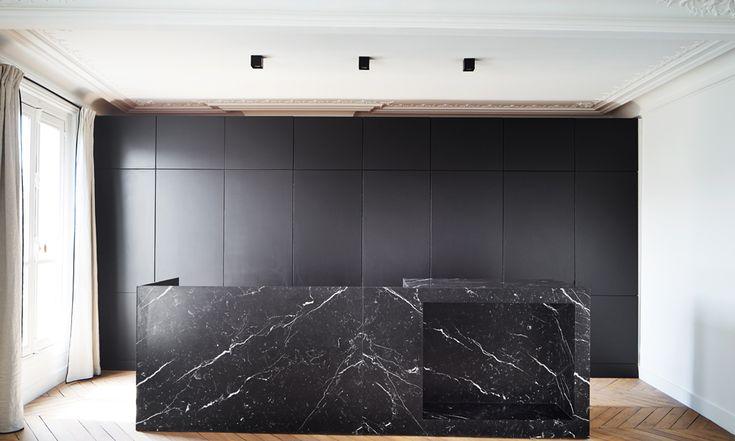 black contemporary kitchen by capo-architectes  web site: www.capo-architectes.com