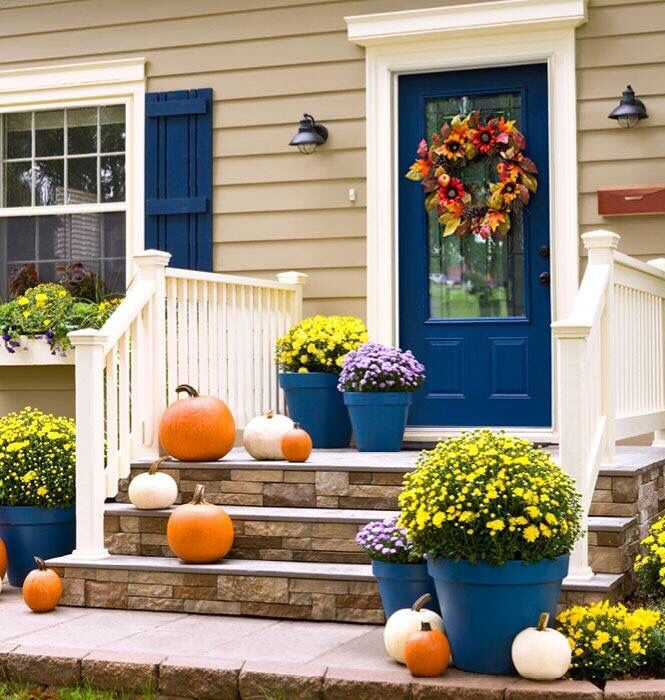 Love the door color and accent pots!