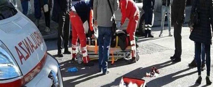 SALERNO: Terrore davanti al teatro Verdi, anziano investito sulle strisce pedonali da bus Cstp