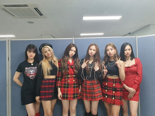 Pin On Clc Clc (crystal clear) is a rookie multinational girlgroup from cube entertainment. pinterest
