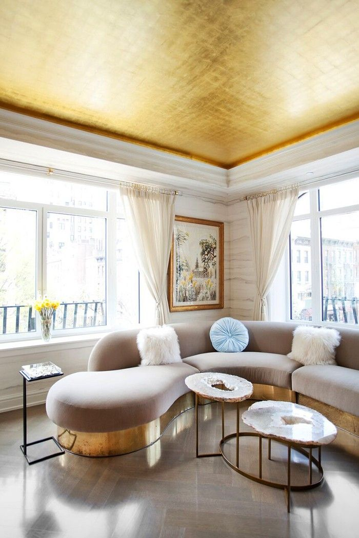 Million Dollar Decorators Share Their Best Design Tricks via @MyDomaine  Painted ceiling / Gilt or siver ceiling