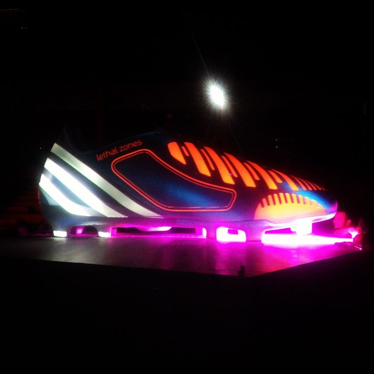 Video mapping adidas lethal zones. Medellín