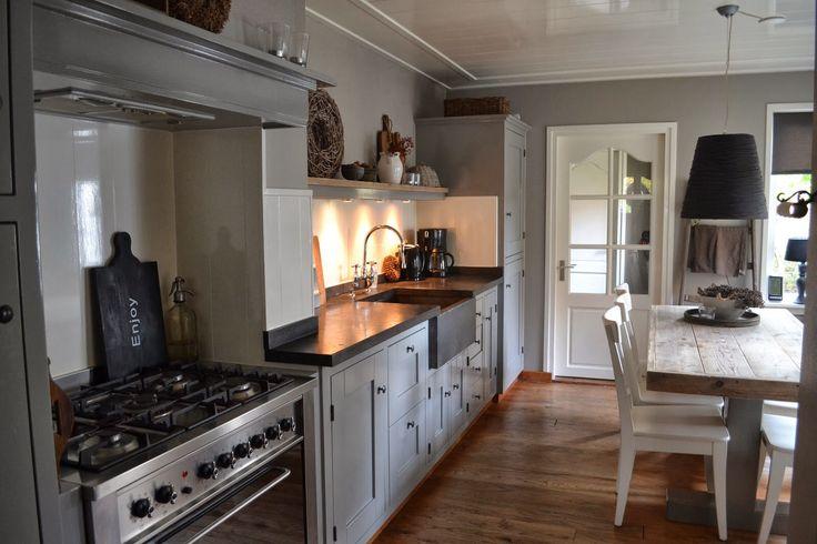 Mooie keuken met lambrisering keuken pinterest met - Woonkeuken american ...