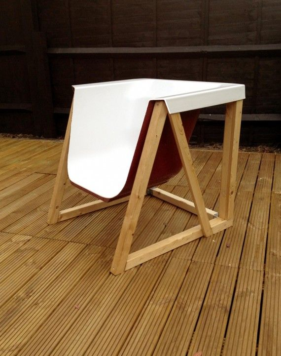 DIY Ideas: Chair made out of a cut bathtub.