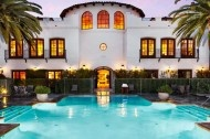#santabarbaraholiday    Lodging:  This is the Bacara Resort. I've never stayed the night but I've heard nothing but great things about it. I have been here before for an event to see Michelle Branch perform live in an invite only private concert. Great service from the staff and mmm yum food.