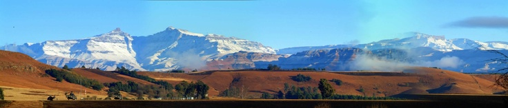 Looking out over the #Himeville airfield at the #Drakensberg, the Sani Pass is to the right of the Giant's cup.