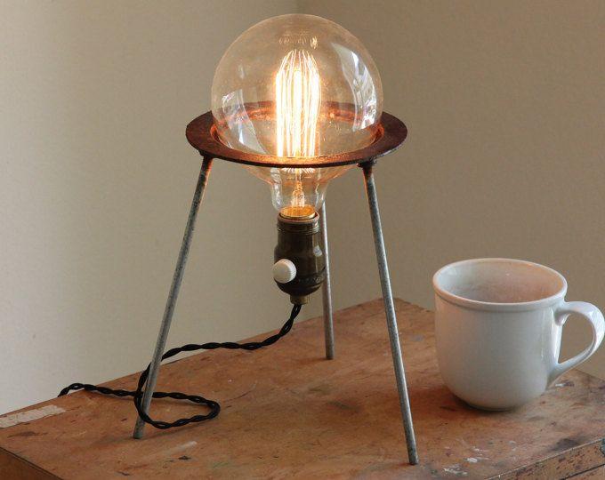 les 25 meilleures id es concernant lampes huile antiques. Black Bedroom Furniture Sets. Home Design Ideas