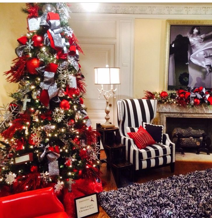 Christmas Tree in Classic Holiday Colors- Dressy Red with Black and White! Lots of Christmas inspiration at http://www.showmedecorating.com/blogs/news
