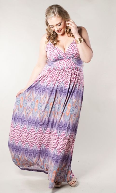 A chic, boho-style plus size maxi dress with adjustable straps that's perfect all year round! The classic, figure-flattering shape together with it's unique, boho-style print make this a must-have for any wardrobe.