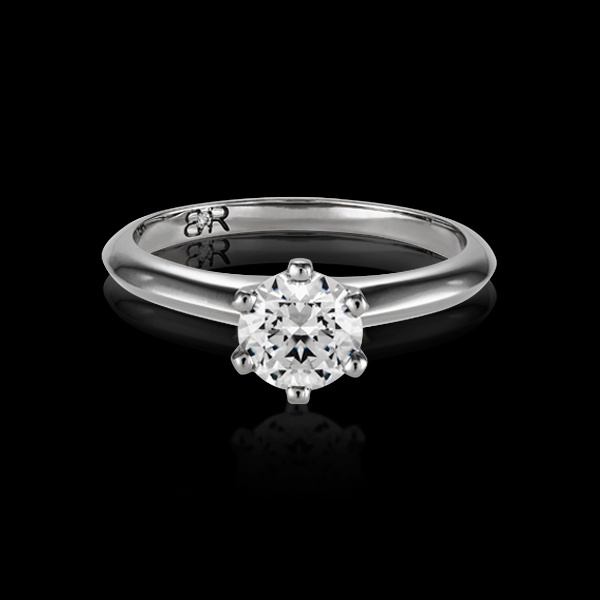 Fortis is BigRocxs' most popular style of engagement ring. This setting features a timeless design that ensures that the Rock is the centre of attention. This style features a 6 claw setting, securing your diamond in place.