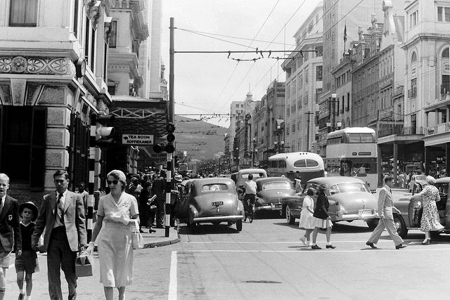 Adderley Street, Cape Town Dec. '53. BelAfrique your personal travel planner - www.BelAfrique.com