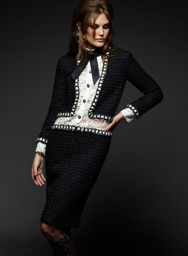 Catherine McNeil for Chanel Paris in Rome 2015.16 Metiers d'Art by Karl Lagerfeld - Chanel Pre-Fall 2016