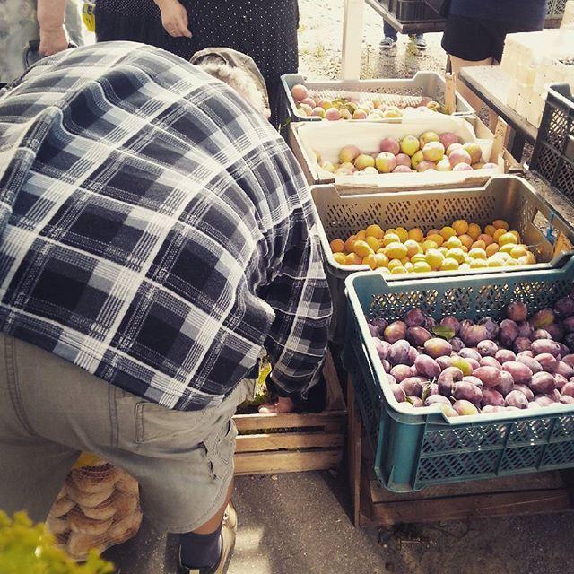 Skrzynki pełne lata. Boxes full of summer. #targ #market #warzywa #vegetables #owoce #fruit #lato #summer