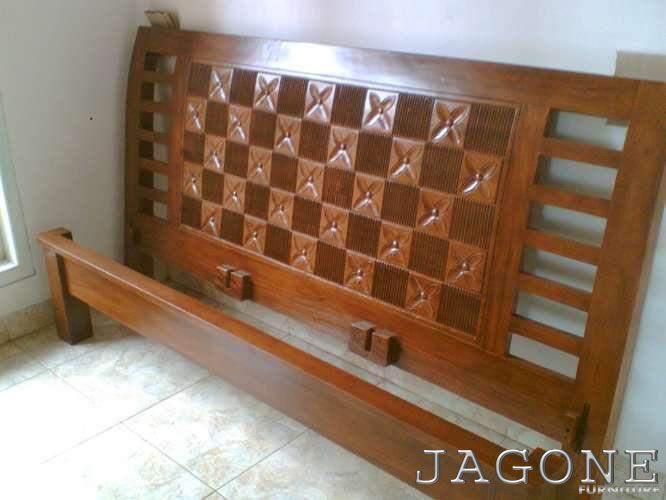 TEMPAT TIDUR JATI MINIMALIS BERKUALITAS Jual tempat tidur jati minimalis, furniture jati berkualitas asal jepara ini adalah tempat tidur jati minimalis namun berkualitas tinggi. Karena terbuat dari...