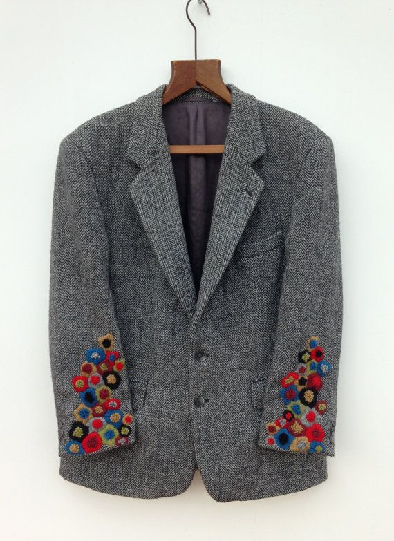 I am a bit of a fan of Harris Tweed and had been looking around for an old one for myself when I came across a lovely pale blue one, from