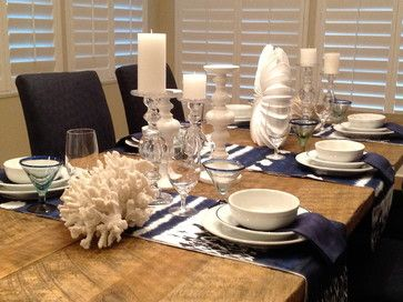 Use of table runners as placemats