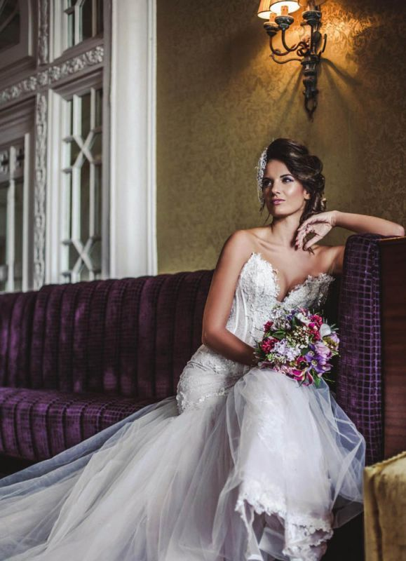 Faragé | Boutiques   #farage #AnnaRomysh #bride #wedding #fashion #weddingdress #lace #lacedress