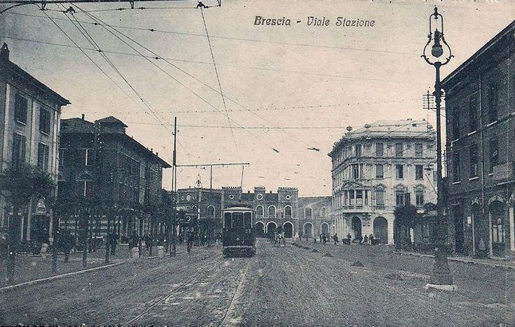 Viale Stazione - Tram in corsa http://www.bresciavintage.it/brescia-antica/cartoline/viale-stazione-tram-corsa/