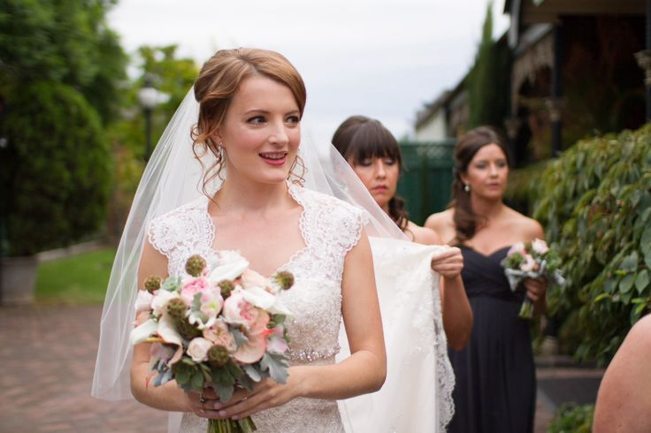 bridal hairstyling ideas by Sparkling belle