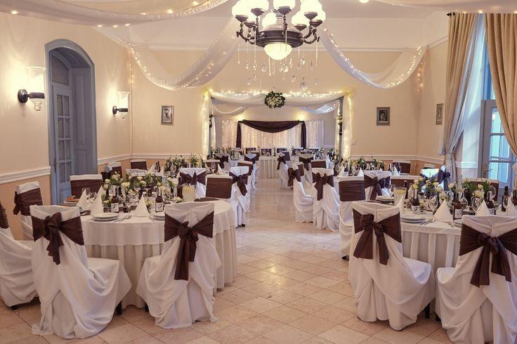 Esküvői Helyszínek / Hungarian wedding venues  Fenyőharaszt Kastélyszálló. Kiváló helyszín. Minden szempontból tökéletes. Fotózni mesés itt. olvasd el a kritikám!