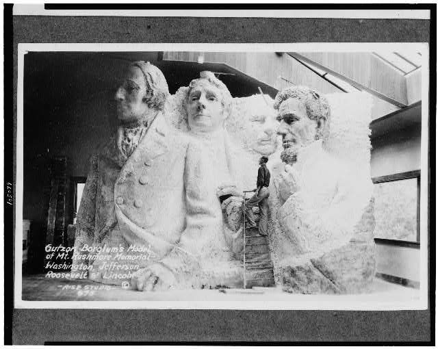 Gutzon borglum 39 s model of mt rushmore memorial for Mount rushmore history facts