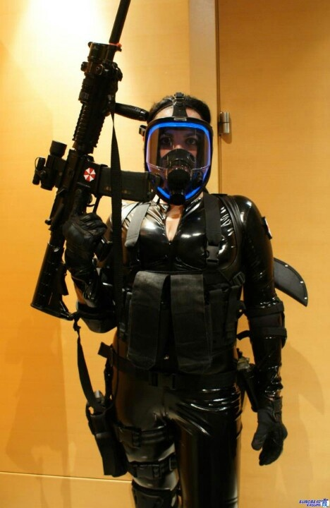 Awesome Resident Evil Lupo cosplay leather and latex ...