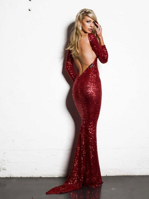 Long sleeve sequin dress with low back. Where do I get this!?