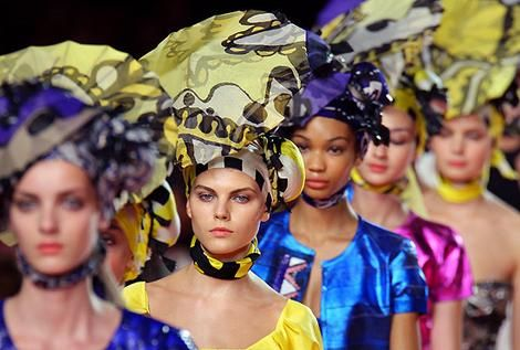 Christian Lacroix Says You Better Work that African Headgear!