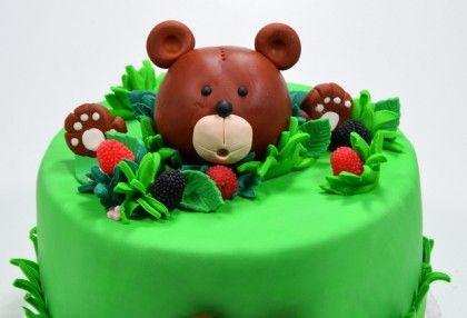 Bear themed cake