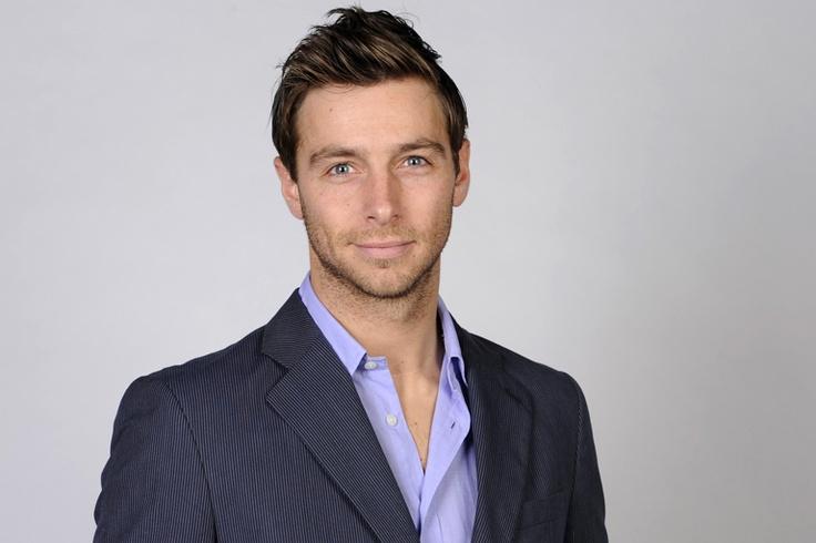 Louis is een acteur uit de soap serie Goede Tijden Slechte Tijden en hij heeft ook gespeeld in de serie Mega Mindy.  Judith, Geno en Isabel 3C